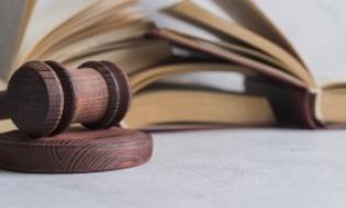 Medic veterinar din Vrancea trimis din judecata de DNA pentru documente si declaratii false